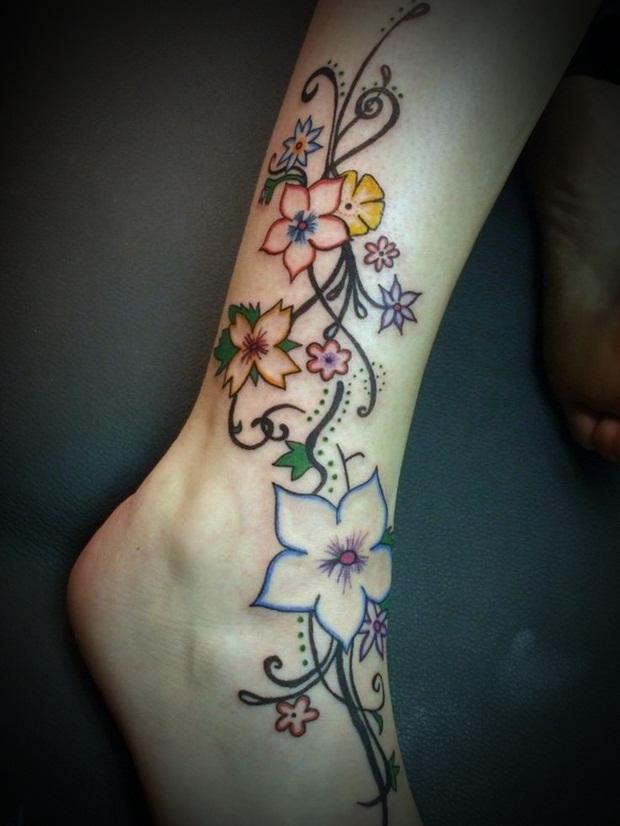 Cute Leg Tattoo Design For Girl