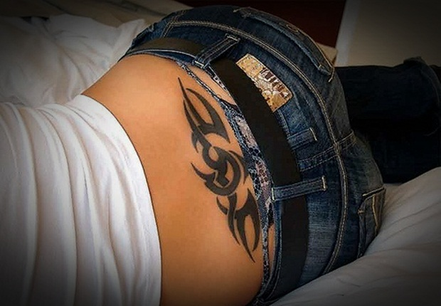 Sexy Lower Back Tattoos for Women (1)