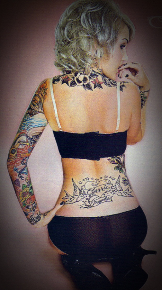 Sexy Lower Back Tattoos for Women (26)