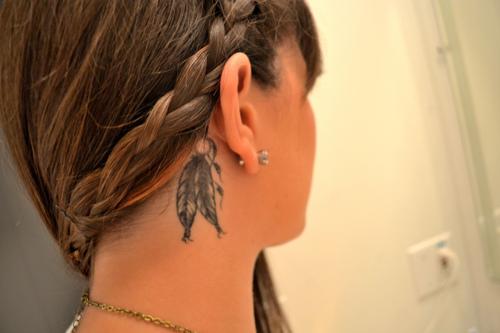 behind-the-ear-tattoos16