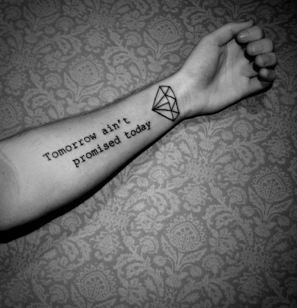 Best Diamond Tattoo Designs18