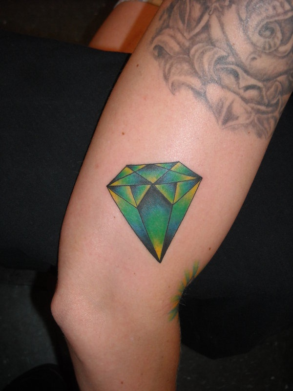 Best Diamond Tattoo Designs19