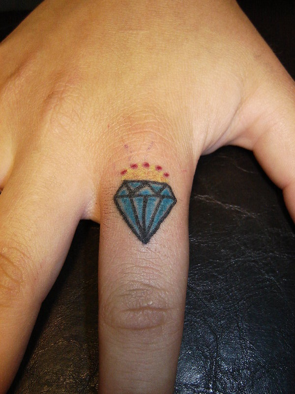 Best Diamond Tattoo Designs28