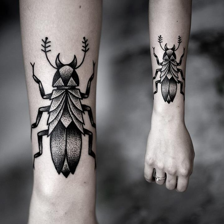 Hand Tattoos for Women.11