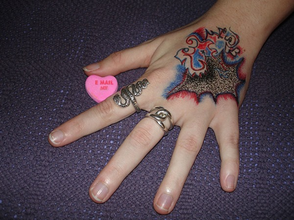 Hand Tattoos for Women.20