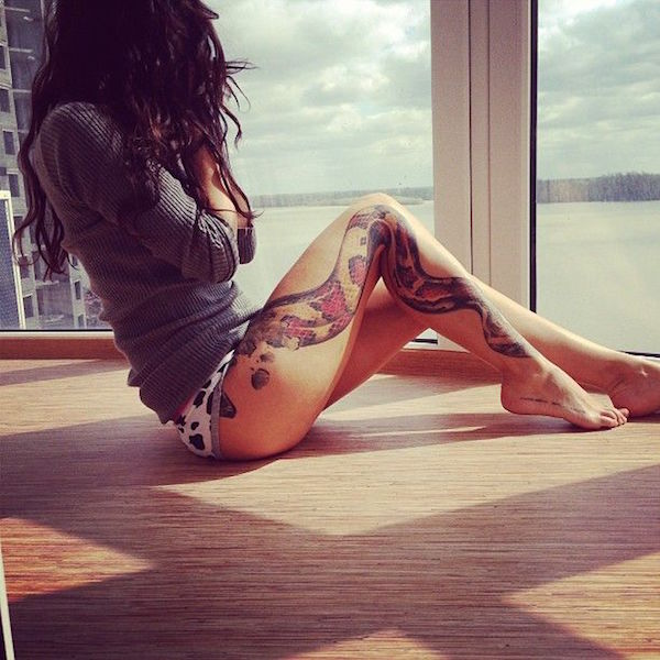 Thigh Tattoos for Women.11