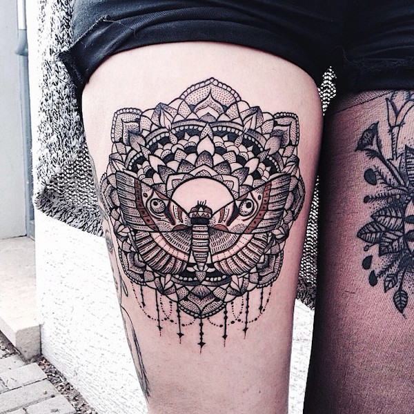 Thigh Tattoos for Women.31