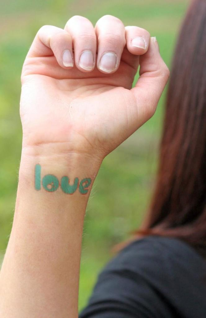 Wrist-Tattoos Design (11)