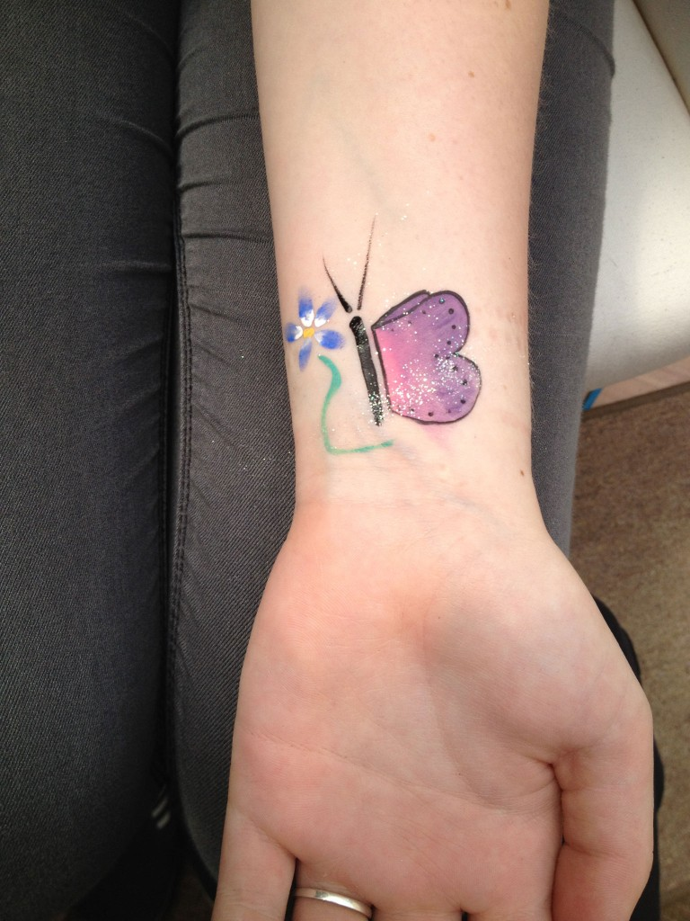 Wrist-Tattoos Design (23)
