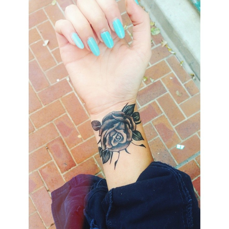 Wrist-Tattoos Design (32)