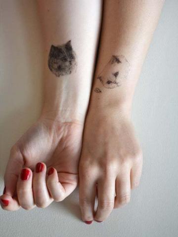 Wrist-Tattoos Design (64)